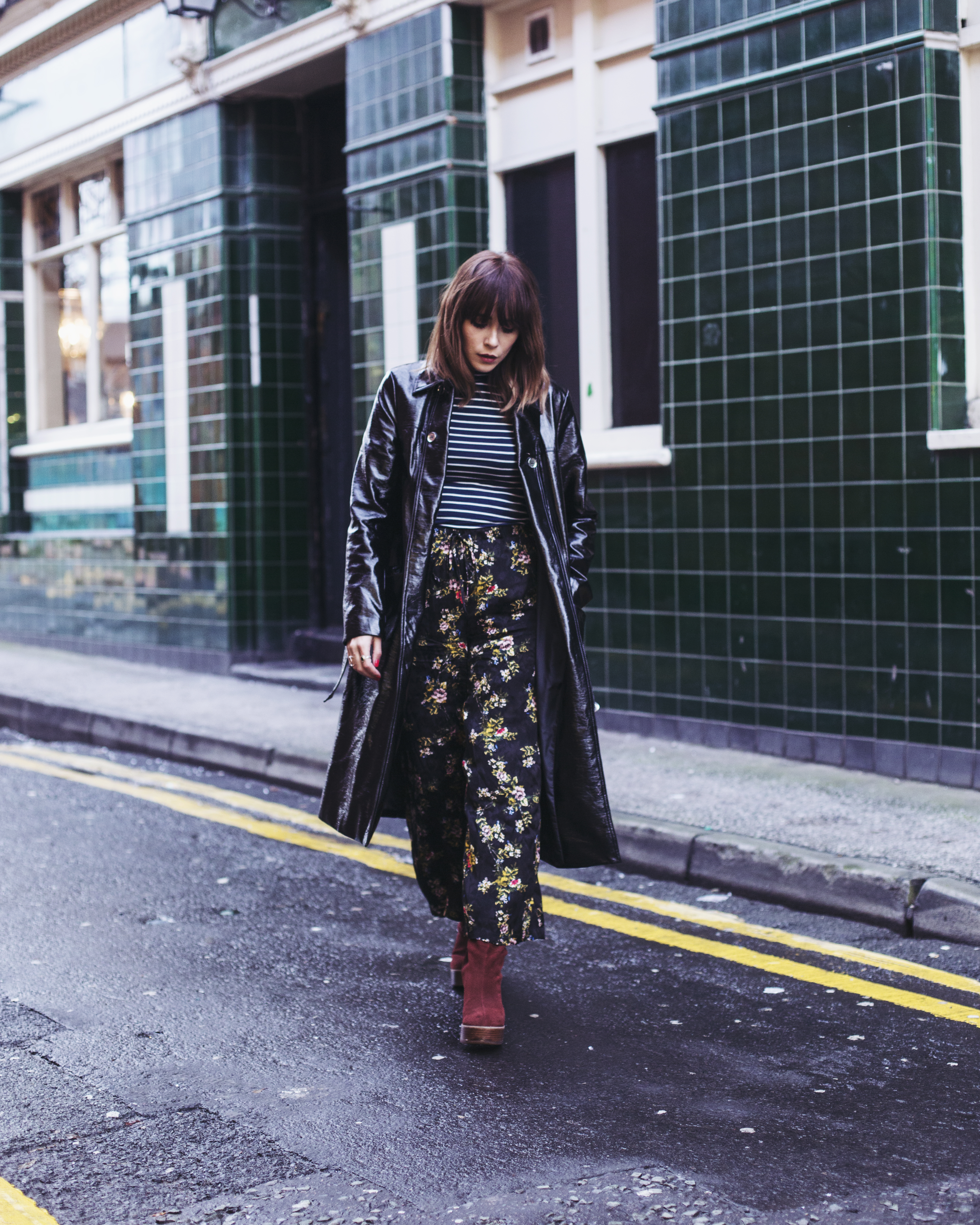 MEGAN ELLABY WEARS URBAN OUTFITTERS FLARED TROUSERS IN FLORAL PRINT
