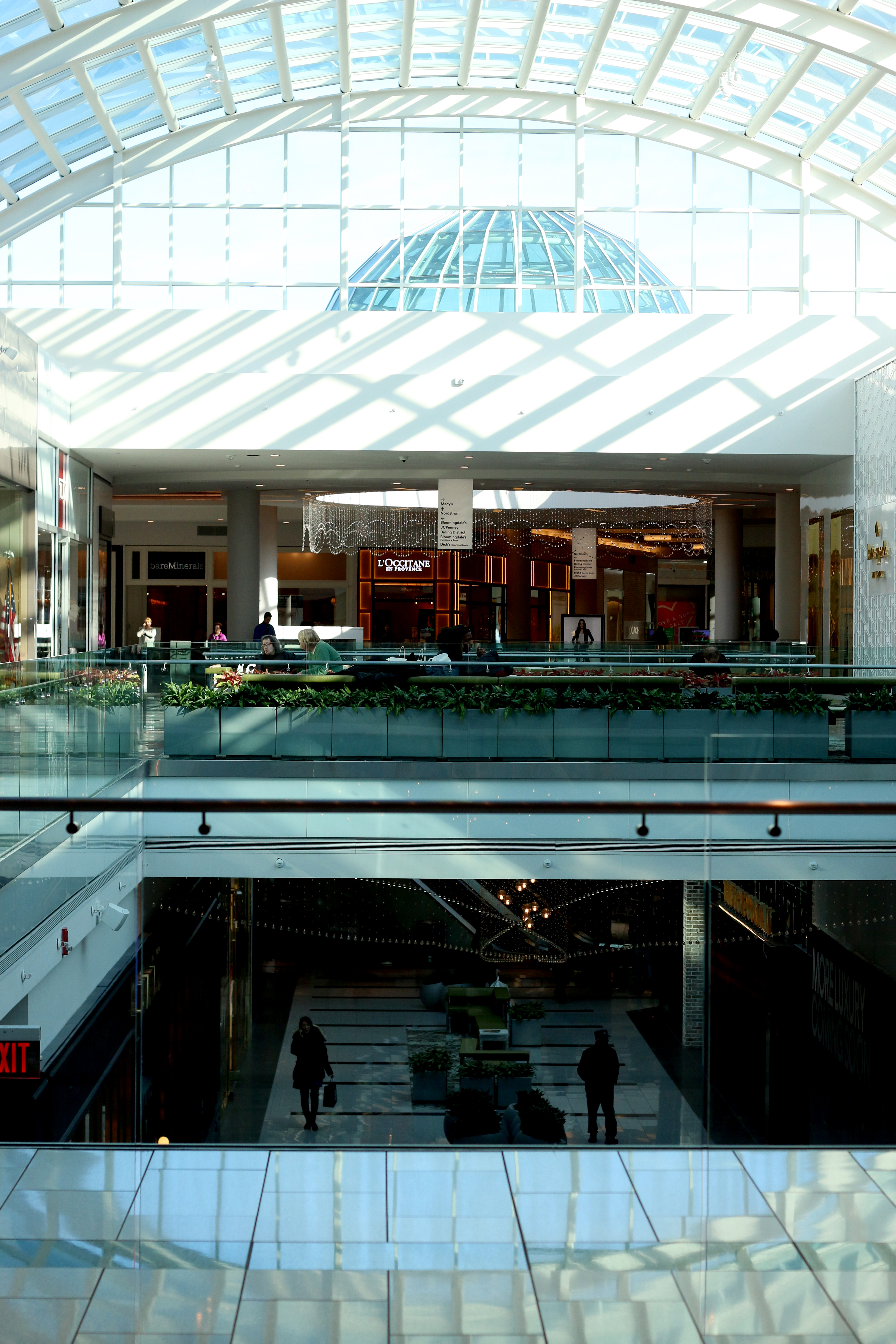 ROOSEVELT SHOPPING MALL REVIEW