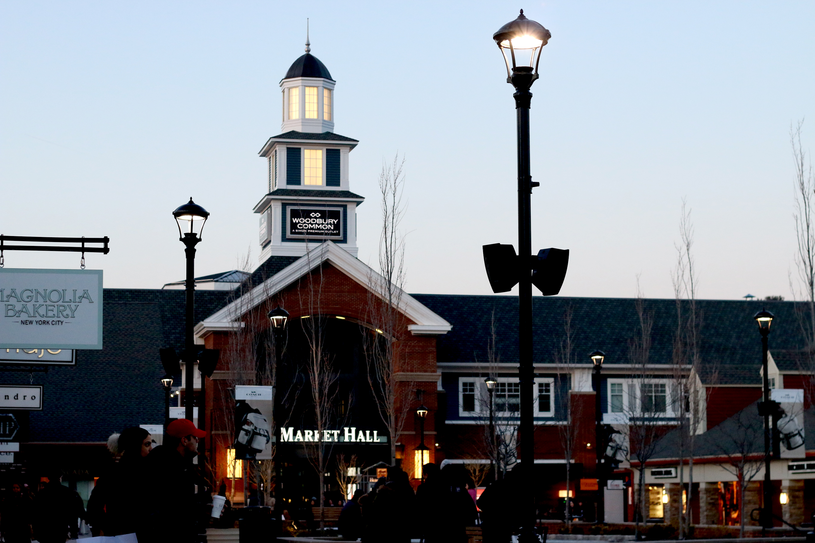 WOODBURY COMMON OUTLET MALL REVIEW