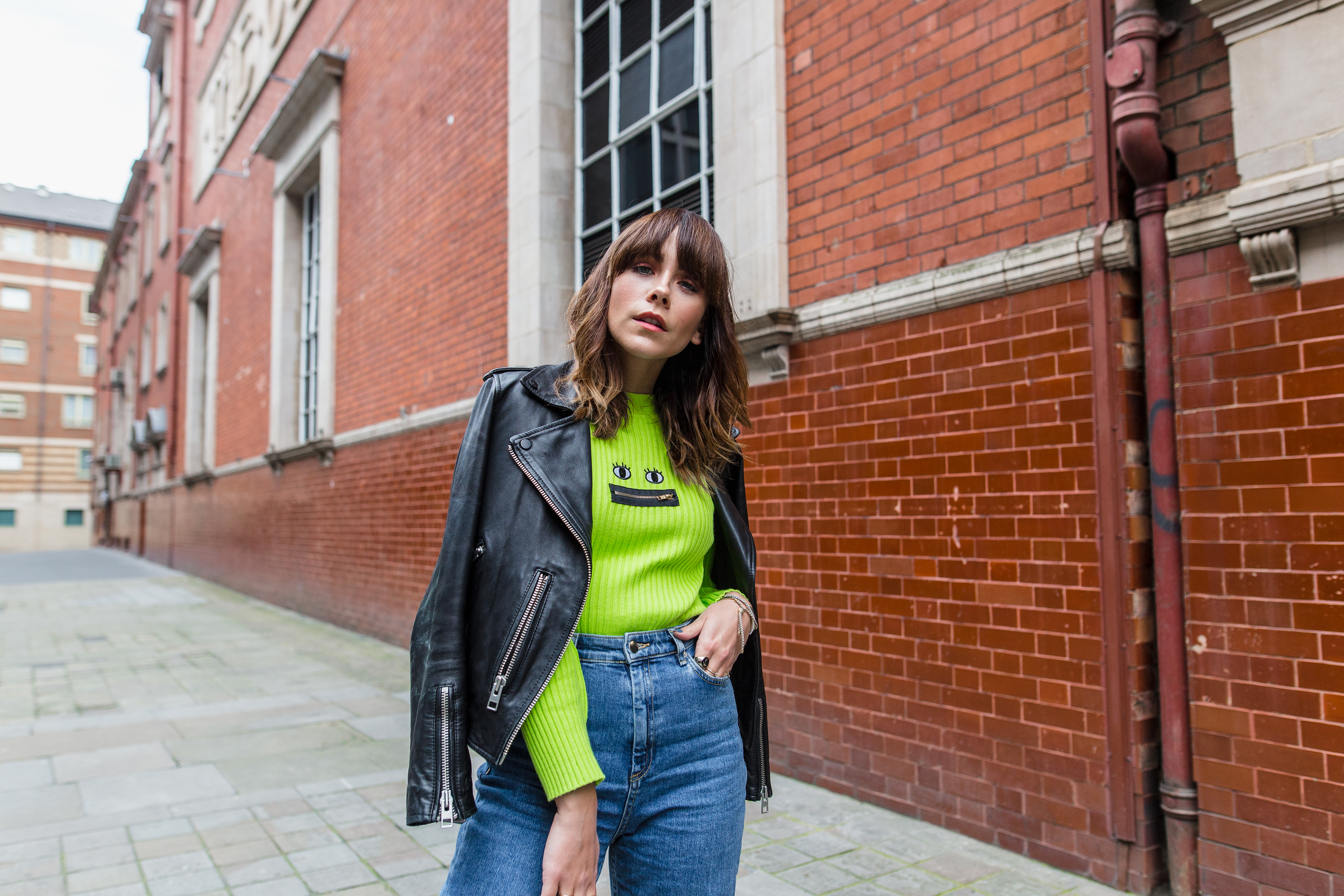 MEGAN ELLABY HOW TO WEAR HIGH WAISTED JEANS