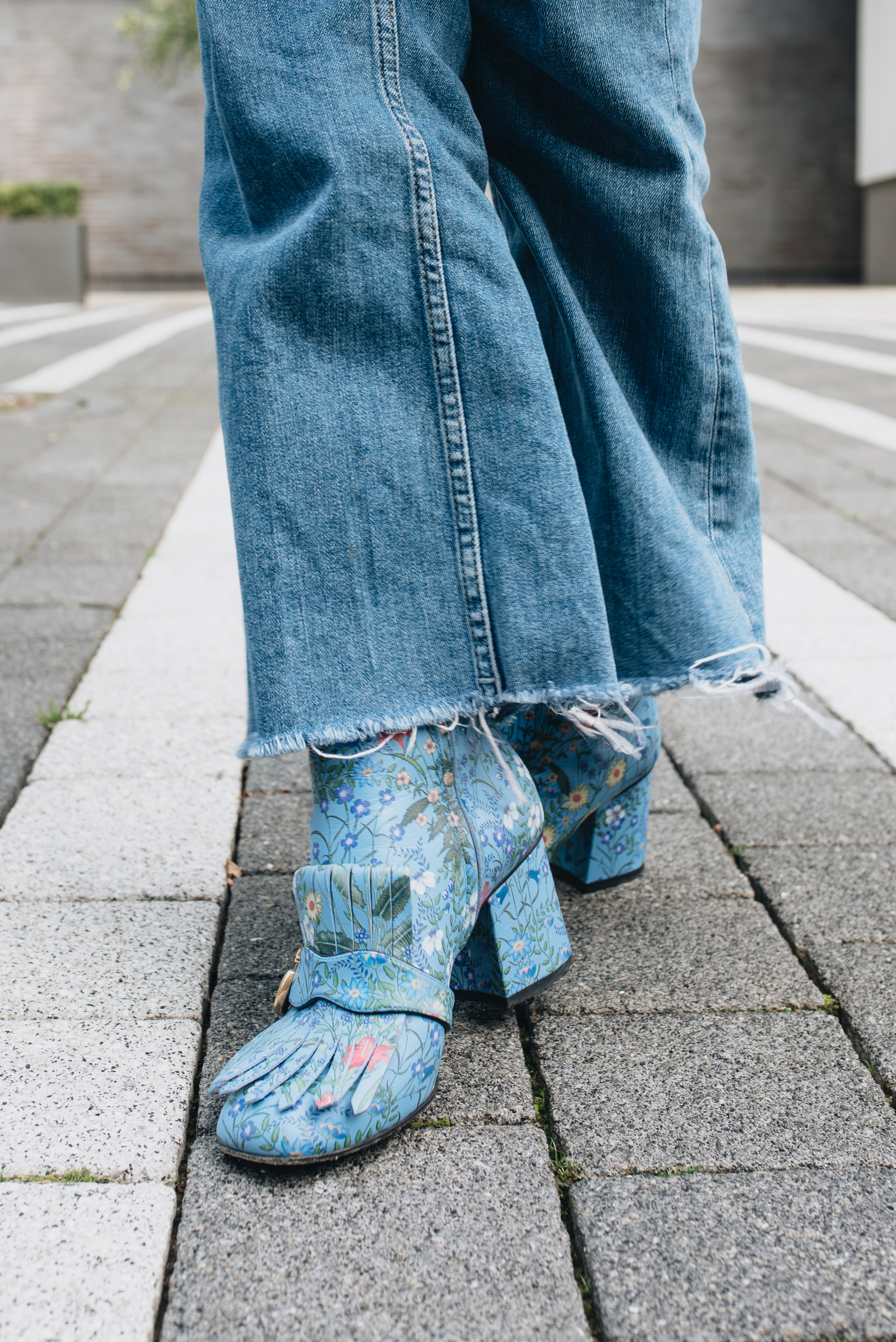 MEGAN ELLABY HOW TO WEAR GUCCI BOOTS